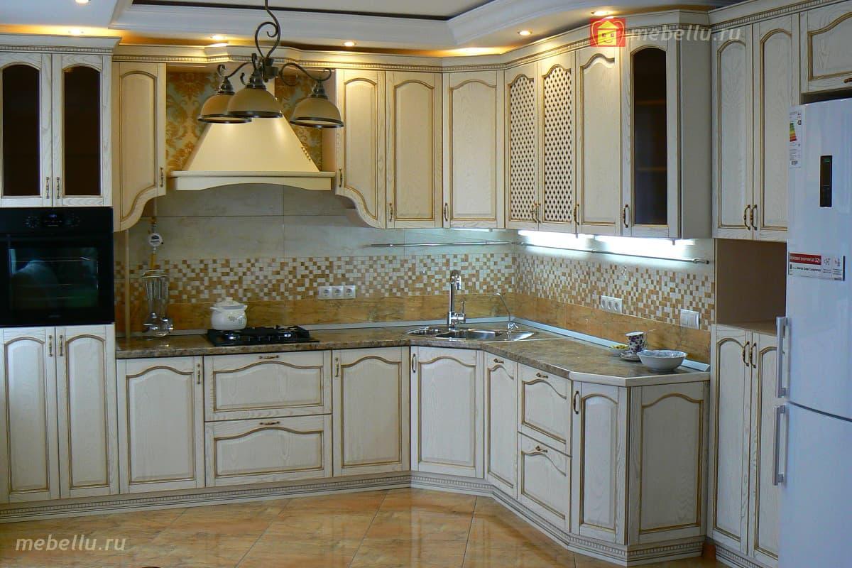 кухни цвет магнолия патиной золото фото