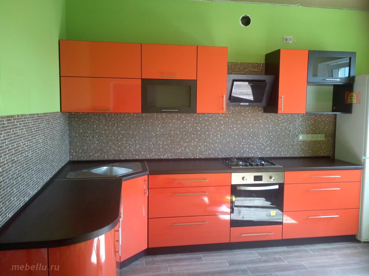 образцы кухонных гарнитуров фото из пластика имеет особенности конструкции